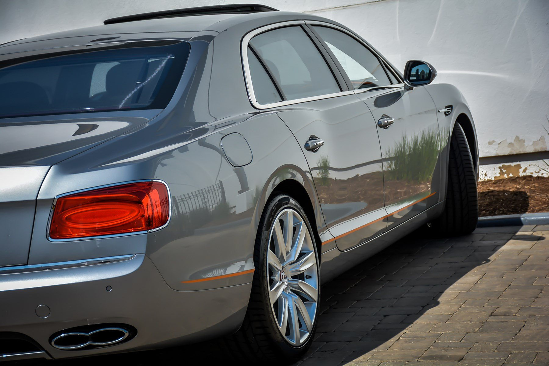 New 2018 Bentley Flying Spur V8 Design Series Mandarin Pack