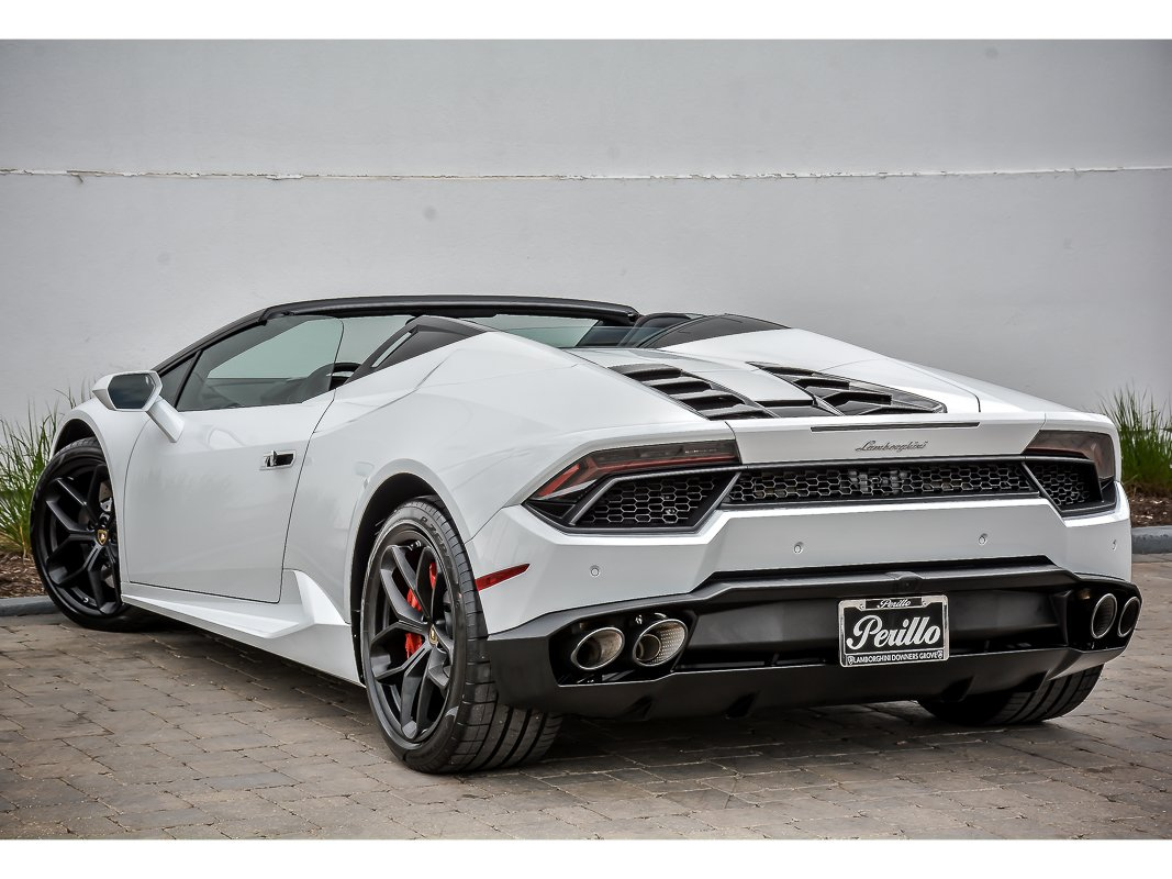 pre owned 2017 lamborghini huracan spyder lp 580 2 convertible in downers grove dg701 s. Black Bedroom Furniture Sets. Home Design Ideas